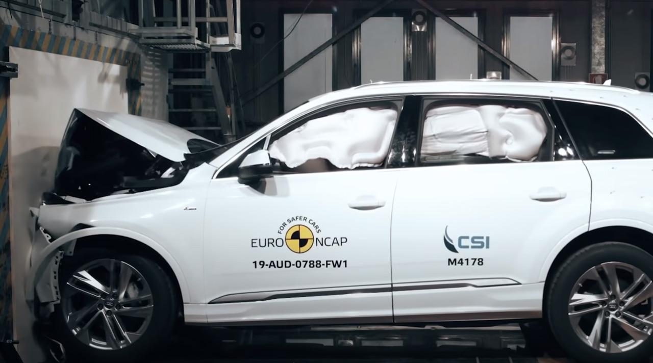 Краш-тест Audi Q8